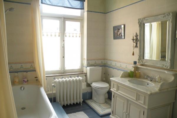 chambres d 39 h tes bruxelles b b c t d cor. Black Bedroom Furniture Sets. Home Design Ideas