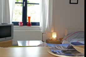 1 2 Stay (Want To Stay) Full Service Studio's - Bed and Breakfast