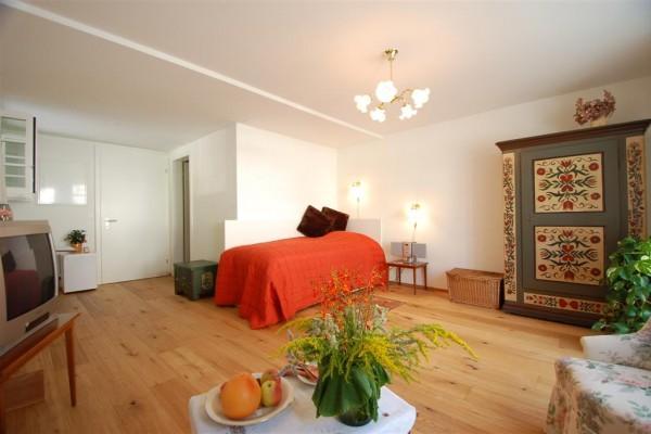 bed breakfast in z rich bed and breakfast hotel zollikon. Black Bedroom Furniture Sets. Home Design Ideas