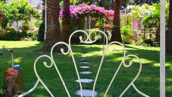 Bed breakfast in napoli b b il giardino segreto