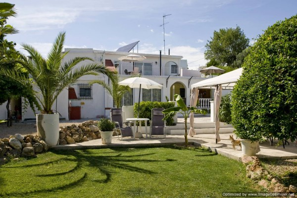 Apartment in torrent valencia villa casablanca self for Classic house torrent